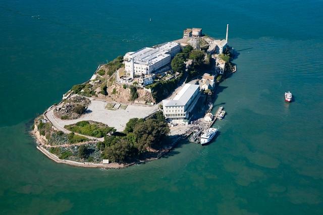 Toàn cảnh đảo Alcatraz ở San Francisco