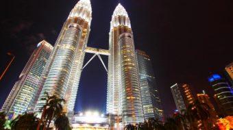 Tháp đôi Petronas – biểu tượng nổi tiếng ở Malaysia