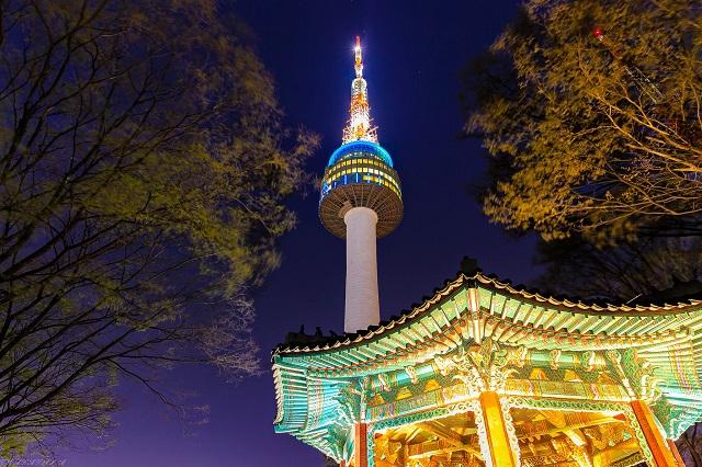"""N Seoul Tower một trong những điểm đến khiến du khách phải """"thích mê thích mệt"""""""