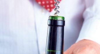 Hướng dẫn các cách mở nút chai rượu vang