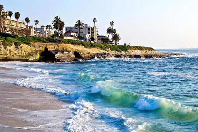 La Jolla Cove một trong những bãi biển đẹp nhất California